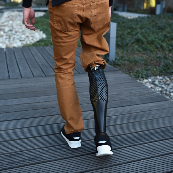 AIRY Prosthetic Leg - fashion design