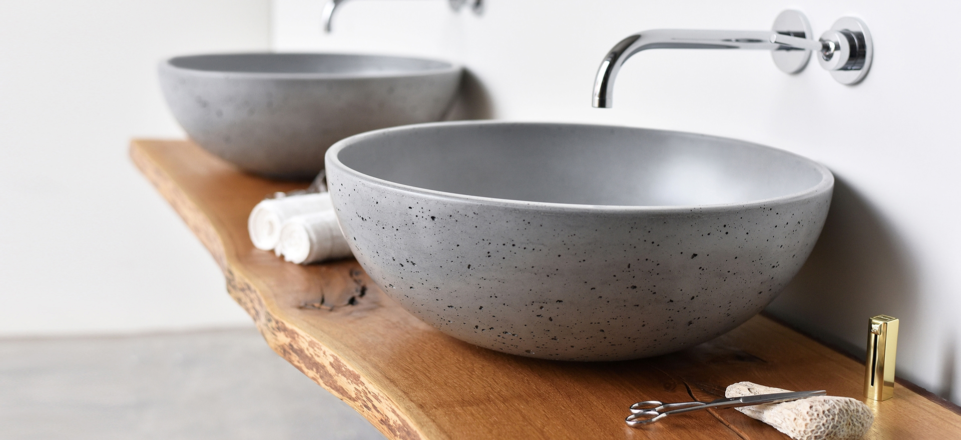 <b>Orb</b> concrete washbasin